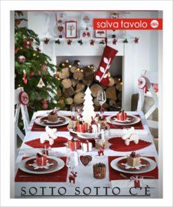sotto la tovaglia natalizia c'è il salva tavolo originale che protegge